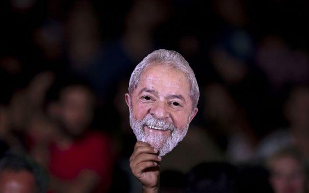 Lula lanza desde la cárcel su candidatura presidencial. Foto: AFP