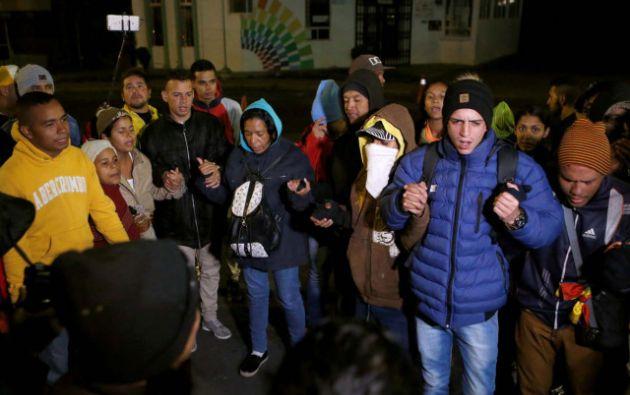 Ecuador elimina exigencia de pasaporte para niños y adolescentes venezolanos. Foto: Reuters