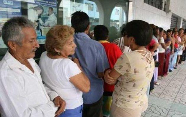 53.000 personas de la tercera edad serán beneficiadas con el bono de $100 mensuales. Foto: archivo