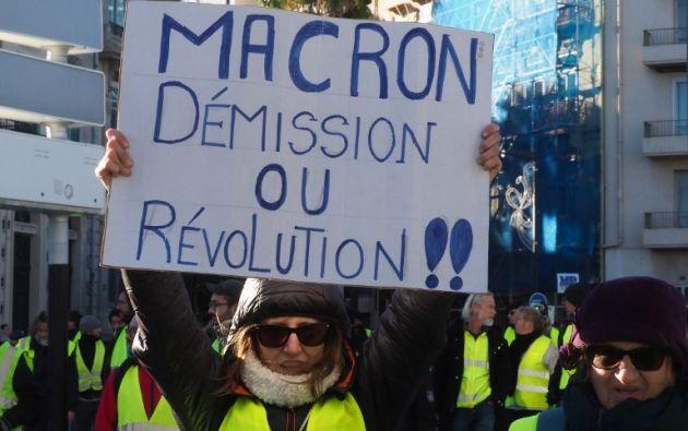"""En París, los manifestantes marcharon al grito de """"¡Macron dimisión!"""". Foto: AFP"""