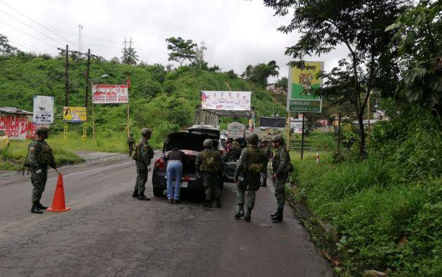 SAN LORENZO, Ecuador.- Militares realizan constantes operativos en la zona fronteriza con Colombia. Foto: Twitter FF.AA.