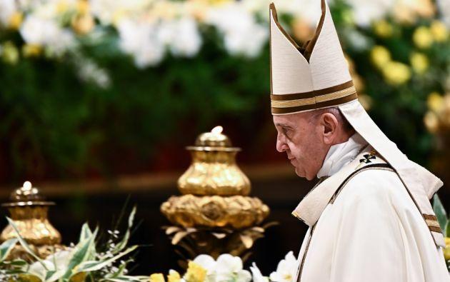 El Pontífice dedicó su homilía a las cuatro grandes piedras de la vida de los seres humanos: la muerte, el pecado, el miedo, la mundanidad. Foto: AFP.