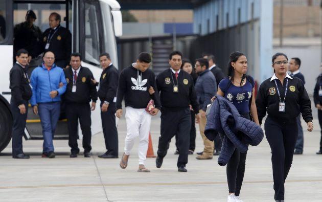 Migrantes venezolanos son deportados desde Perú. Foto: AFP.