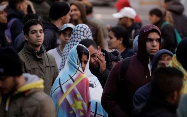 Ecuador ha habilitado ya un corredor humanitario entre Rumichaca y Huaquillas para facilitar que los venezolanos puedan pasar a tiempo hasta Perú. Foto: Reuters.