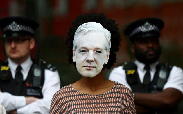 Si Assange es condenado por todos los delitos, podría ser sentenciado a hasta 175 años de cárcel. Foto: Reuters