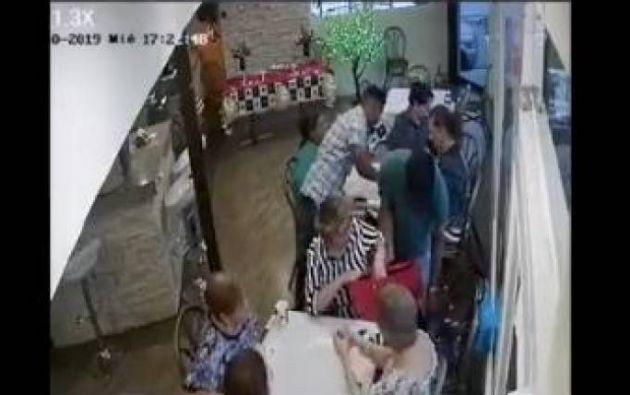 Las cámaras de seguridad captaron los rostros de los asaltantes.