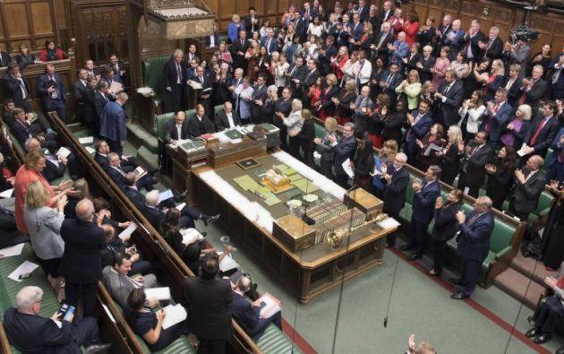 Luego de que la propuesta de Johnson tuviera 293 votos de los 434 requeridos, el Parlamento quedó cerrado hasta el 14 de octubre. Foto: AFP.