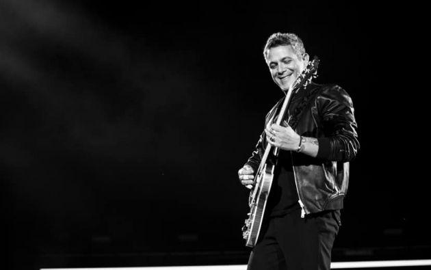 En su paso por Ecuador, el cantante ofrecerá conciertos en Quito y Guayaquil. Foto: Facebook.