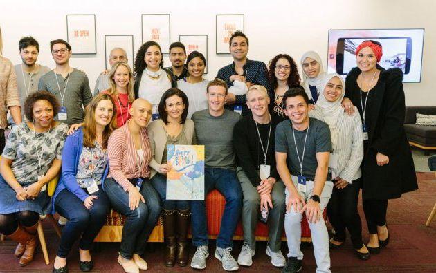 Mark Zuckerberg se reunió con usuarios para celebrar el cumpleaños de Facebook