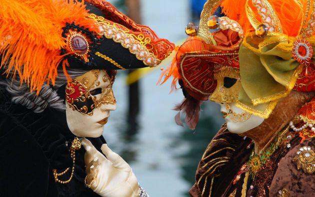 2.- La elegancia del carnaval de Venecia.