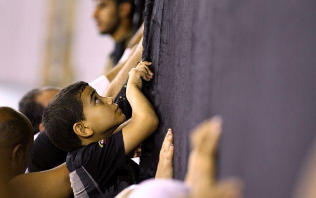 Es la «casa de Dios», donde lo divino toca lo terrenal, y hacia ella orientan su rezo los musulmanes de todo el mundo ubicando el oriente.