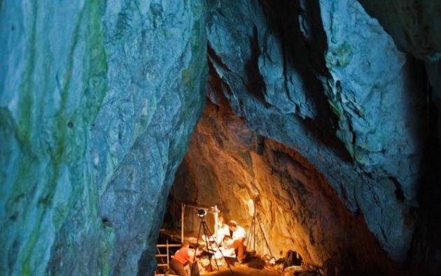Conjunto de cuevas de Gorham en Reino Unido. Los abruptos acantilados calcáreos de la cara oriental del peñón de Gibraltar albergan cuatro cuevas, cuyos yacimientos arqueológicos atestiguan la presencia del hombre de Neandertal durante más de 125.000 años.