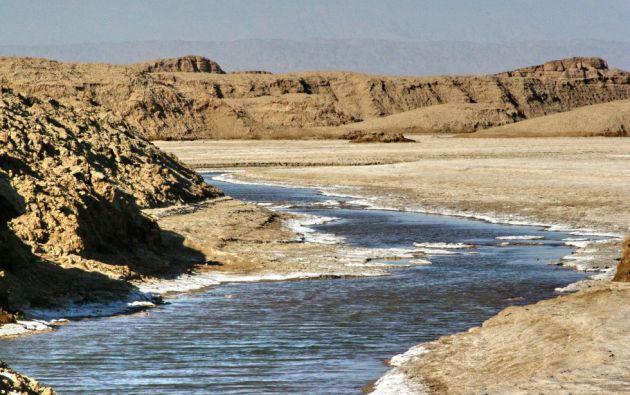 """Desierto de Lut en Irán. Situado al sudeste del país en este sitio se pueden observar algunos de los más espectaculares relieves eólicos formados por crestas onduladas masivas (""""yardangs""""), así como vastos desiertos de piedra y un campo de dunas."""