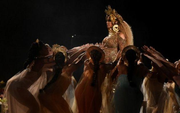 Grammy 2017: Beyoncé embarazada de gemelos impactó al mundo