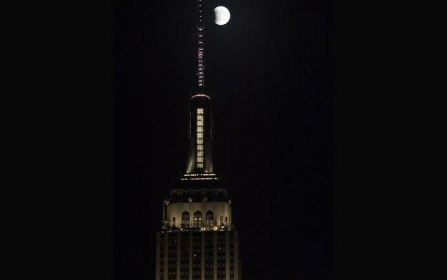 El eclipse de superluna en Nueva York // Empire State Building // 2015