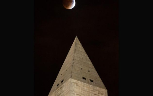 El eclipse de superluna en Washington // Monumento de Washington // 2015