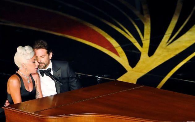 """Lady Gaga y Bradley Cooper interpretan """"Shallow"""" de la película """"A Star Is Born"""". Foto: Reuters"""