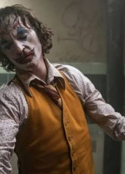 Joaquin Phoenix alcanzó este domingo la gloria del Óscar de un villano, el Joker.