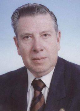 Álvaro Trueba Barahona falleció a los 86 años.  Él fue rector, fundador y presidente del Consejo de Regentes de la Universidad Tecnológica Equinoccial (UTE) de Quito.