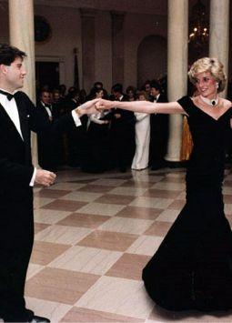 Durante un evento real en 1989, Carlos insultó a Diana frente a sus anfitriones reales.