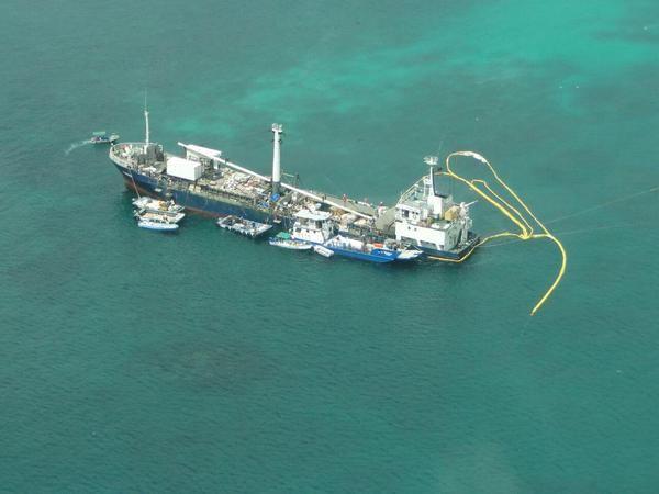 Imágenes del monitoreo aéreo sobre el sitio de encallamiento. Foto: Parque Nacional Galápagos