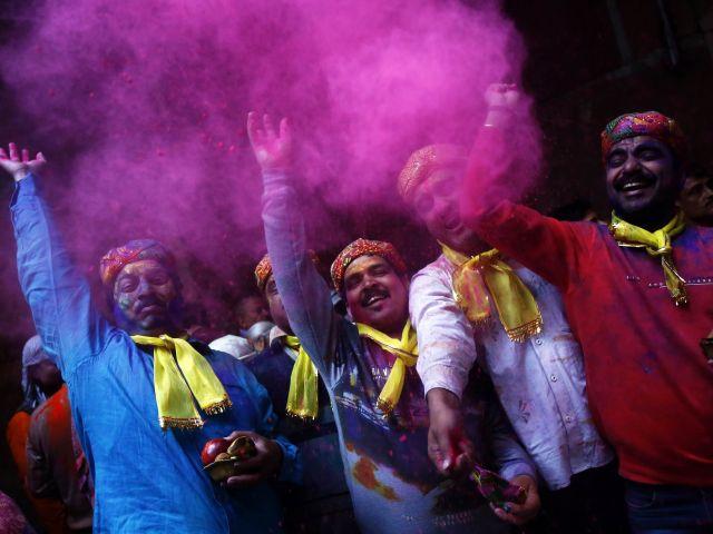 Alegría y colores caracterizan a este festival. La celebración se realizó este miércoles 4 de marzo en la India. Fotos: REUTERS / Facebook Holi Colour Festival