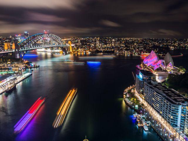 Los transbordadores acuáticos de Sídney también se unieron al festival. Fotos: DESTINATION NSW.