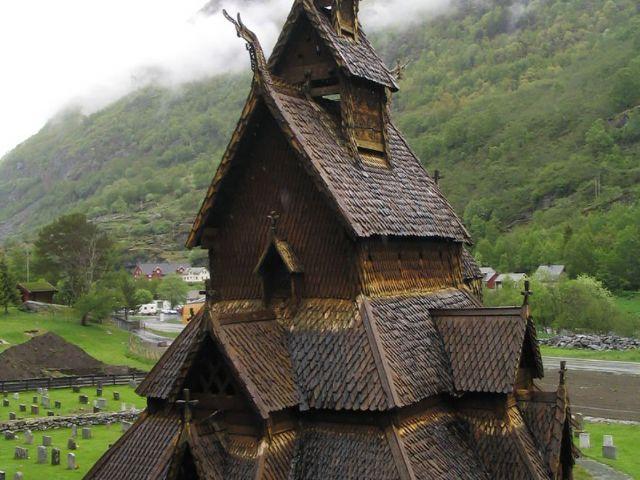 Iglesia de madera de Borgund. Foto: Tnarik Innael.