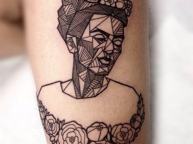 Frida Kahlo geométrica . http://culturacolectiva.com/