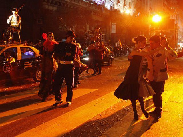 ARGENTINA - Todos los argentinos saben bailar tango, y son gauchos. (Fotos: RT / youtube / Reuters / flickr / web)