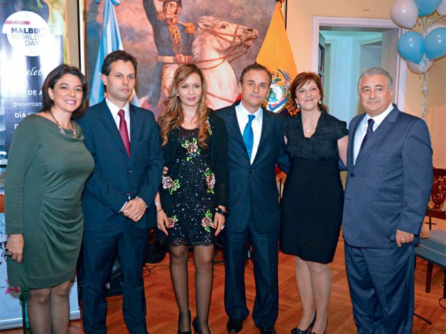 Anabella Castelletti, Esteban de Anchorena, Érika Vargas de Catella, Carlos Catella, Marta Álvarez y Alberto Álvarez.