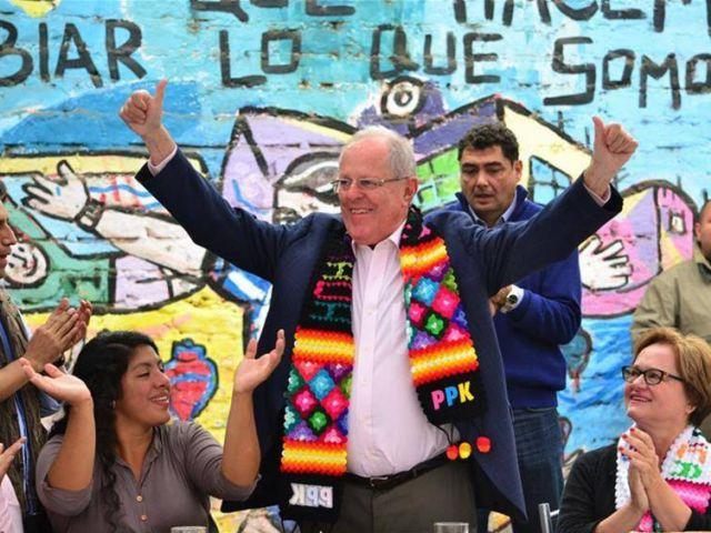 """""""Perú tiene grandes retos por delante y queremos un país unido, conciliado, listo a dialogar"""", expresó el ganador de las elecciones en conferencia de prensa."""