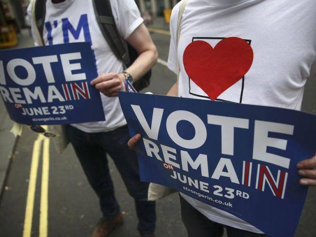 Los colegios electorales de todo el Reino Unido abrieron este jueves a primera hora de la mañana para recibir a los millones de británicos que decidirán con su voto si el país permanece en la Unión Europea (UE) o si deja el bloque.