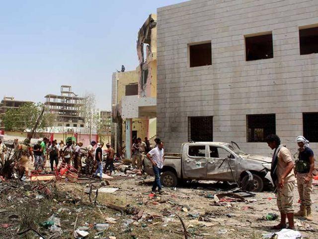 Comenzamos en Yemen, donde Estado Islámico ha reivindicado la autoría de un ataque suicida con un coche bomba en un centro de reclutamiento del ejército en Adén.