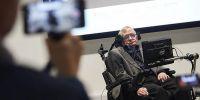 """El cosmólogo fue impulsado al estrellato por su libro de 1988 """"Una breve historia del tiempo"""". Foto: AFP"""