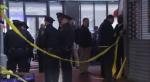 Un oficial fue alcanzado en un brazo y otro en la cabeza.