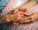 En Colombia, si cualquier enfermo terminal manifiesta su voluntad de someterse a una muerte asistida, deberá ser remitido a un centro médico.