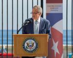Obama elogió el papel de DeLaurentis durante el acercamiento diplomático entre los dos países, anunciado en diciembre de 2014. Foto: Wikipedia.