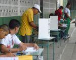 Hasta el 1 de octubre aparecen ocho candidatos para suceder a Rafael Correa.