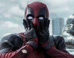 En apenas 3 minutos de duración, el personaje de Ryan Reynolds ya provoca las primeras carcajadas.