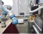 En el sector servicios, que llega a ser el 70% de la ocupación en algunos países, los dependientes serán sustituidos por robot, como este prototipo que se prueba en China. Foto: Vistazo