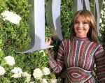 La cantante modela muy sexy un negligé de estampados florales perteneciente a la nueva colección de su línea de ropa Thalia Sodi Collection. Foto: Instagram