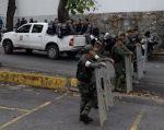 """La esposa de Pérez exigió al gobierno """"que permita identificar el cuerpo"""" a la familia. Foto: AFP"""