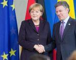 Santos y Merkel se comprometen a trabajar por la paz y la reconciliación. Foto: Reuters