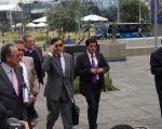 El exlegislador llegó a la Fiscalía para hacer el reconocimiento de firma de la denuncia. Foto: Twitter