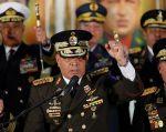 El ministro de Defensa de Venezuela, Vladimir Padrino López, en conferencia de prensa en Caracas. Foto: Reuters