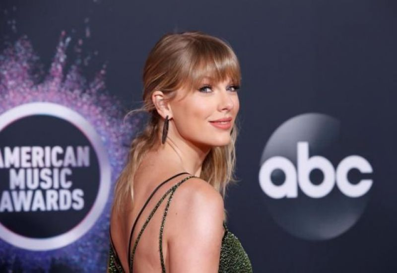 La cantante estadounidense Taylor Swift está regrabando sus canciones antiguas