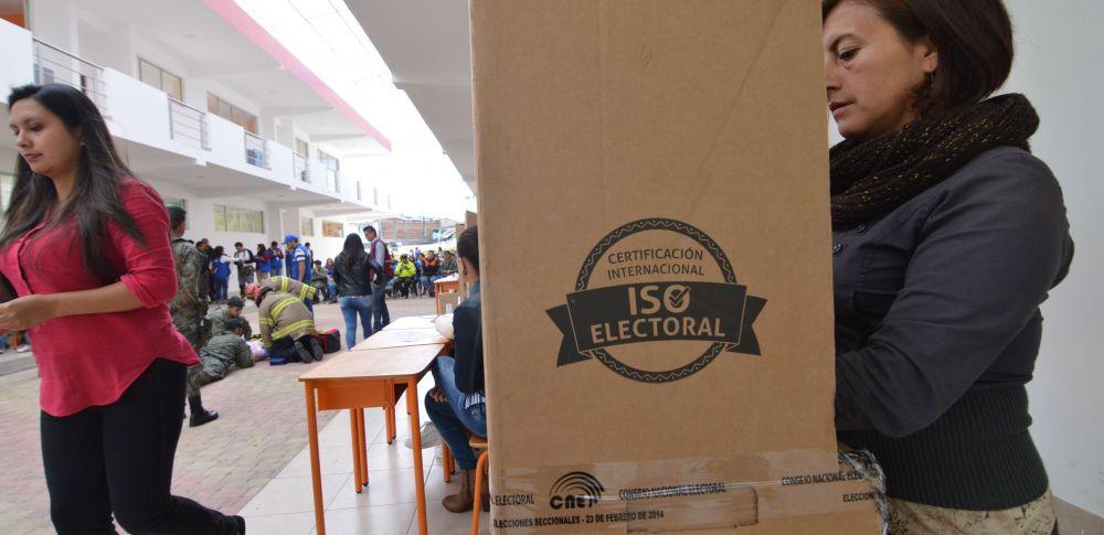 La mañana del domingo se realizó un simulacro de las elecciones en todo el país, a cargo del CNE. Foto: API