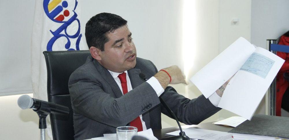 Los juicios contra Tuárez fueron planteados por Fabricio Villamar (CREO); la coalición AP-CREO-BIN-BADI, a través de Jeannine Cruz (CREO); y por Raúl Tello.