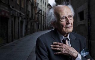 Bauman nació en Poznan, Polonia, en 1925, en el seno de una familia judía. | Foto: Tomada de El País